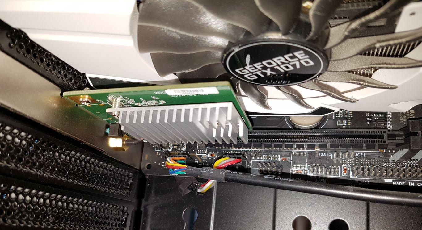 Zum Betrieb des Vive Wireless Adapters wird eine PCIe-Steckkarte benötigt (liegt aber bei..)