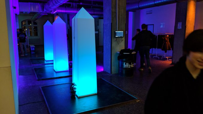 Diese Säulen seht ihr in futuristischer Form auch im Spiel.